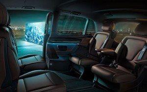 Zona asientos traseros de la furgoneta de Mercedes
