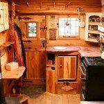 camper interior en madera