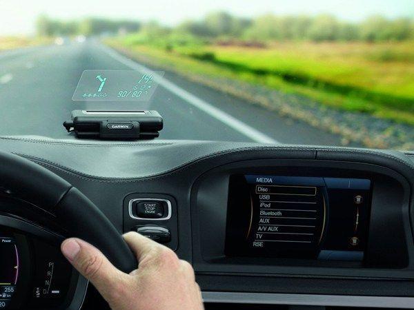 Proyector GPS para coche en el parabrisas